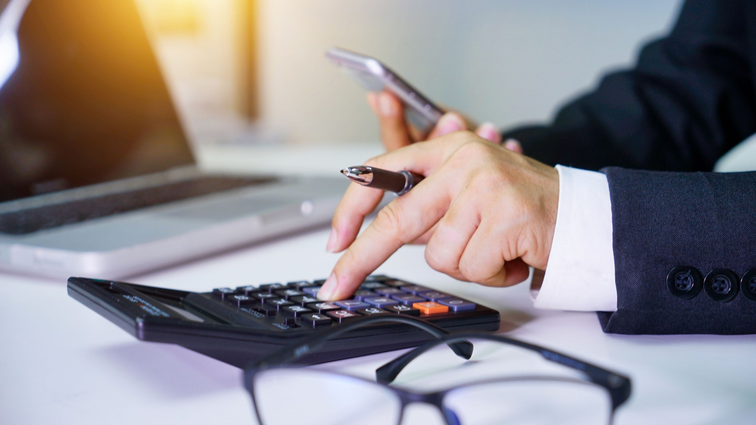 How to Hire a Perth Accountant and Advisors