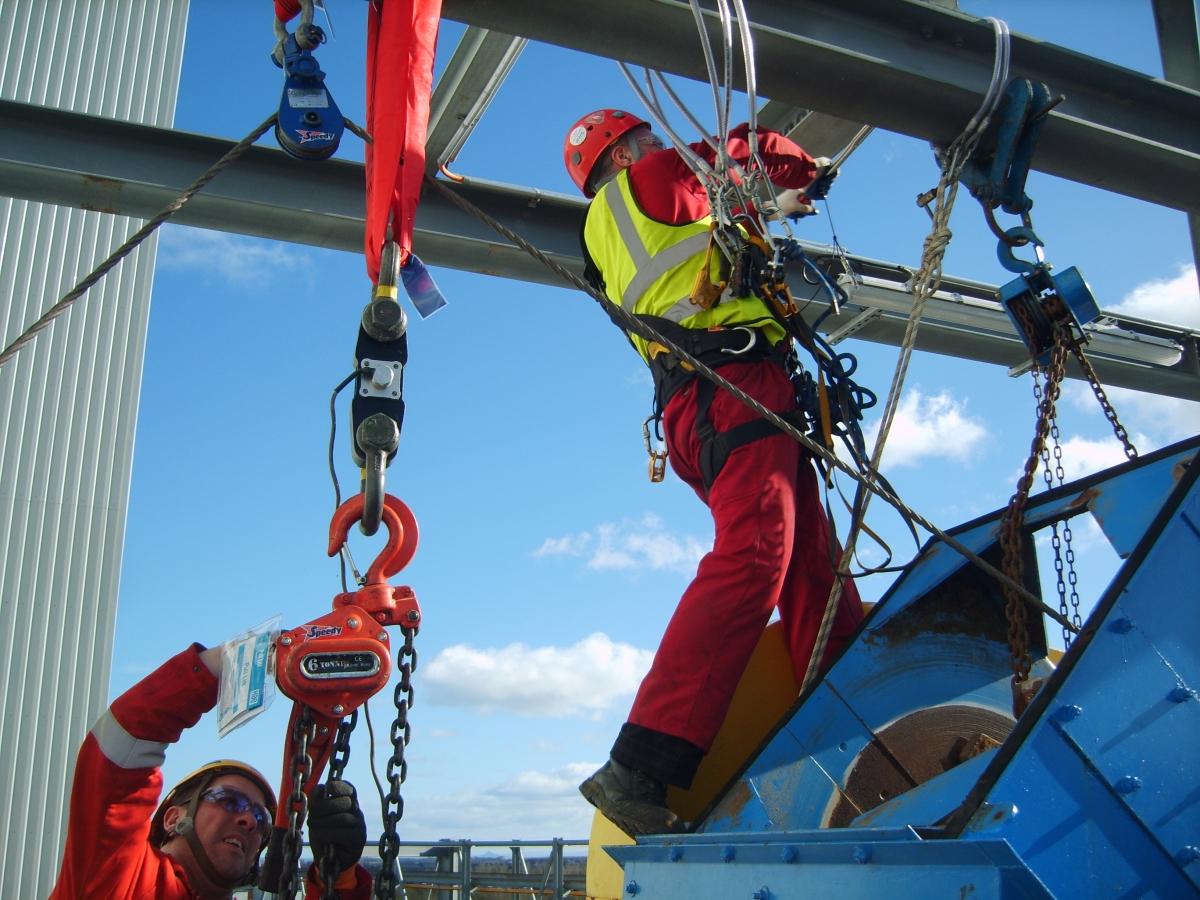 What Can a Rope Access Building Services Specialist Do for You?